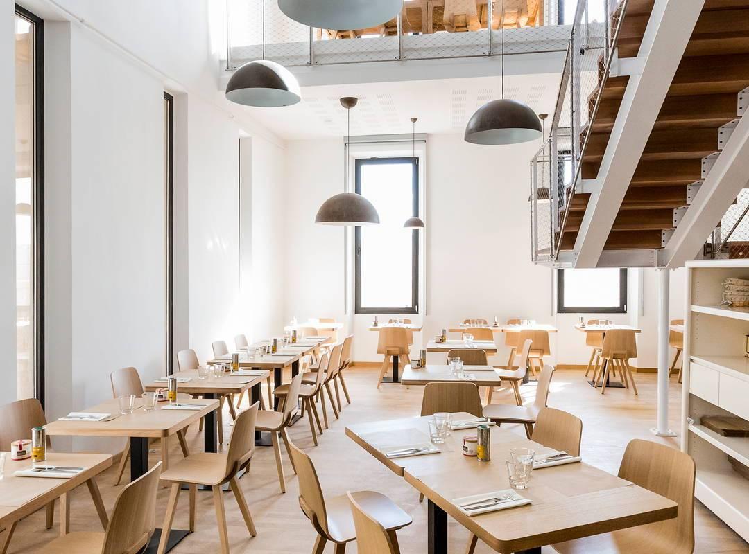 Restaurant room on Marseille rooftop floor