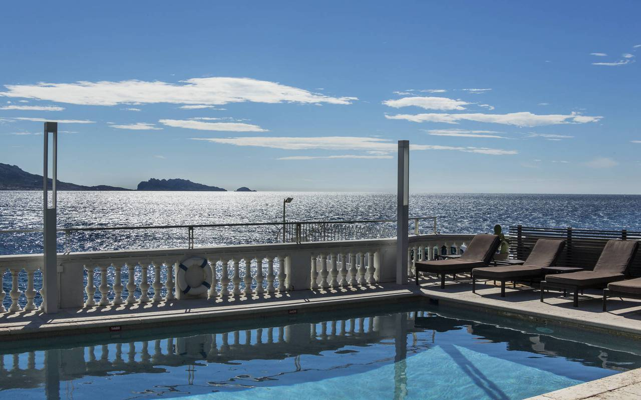Swimming pool by the sea 5-star hotel in Marseille