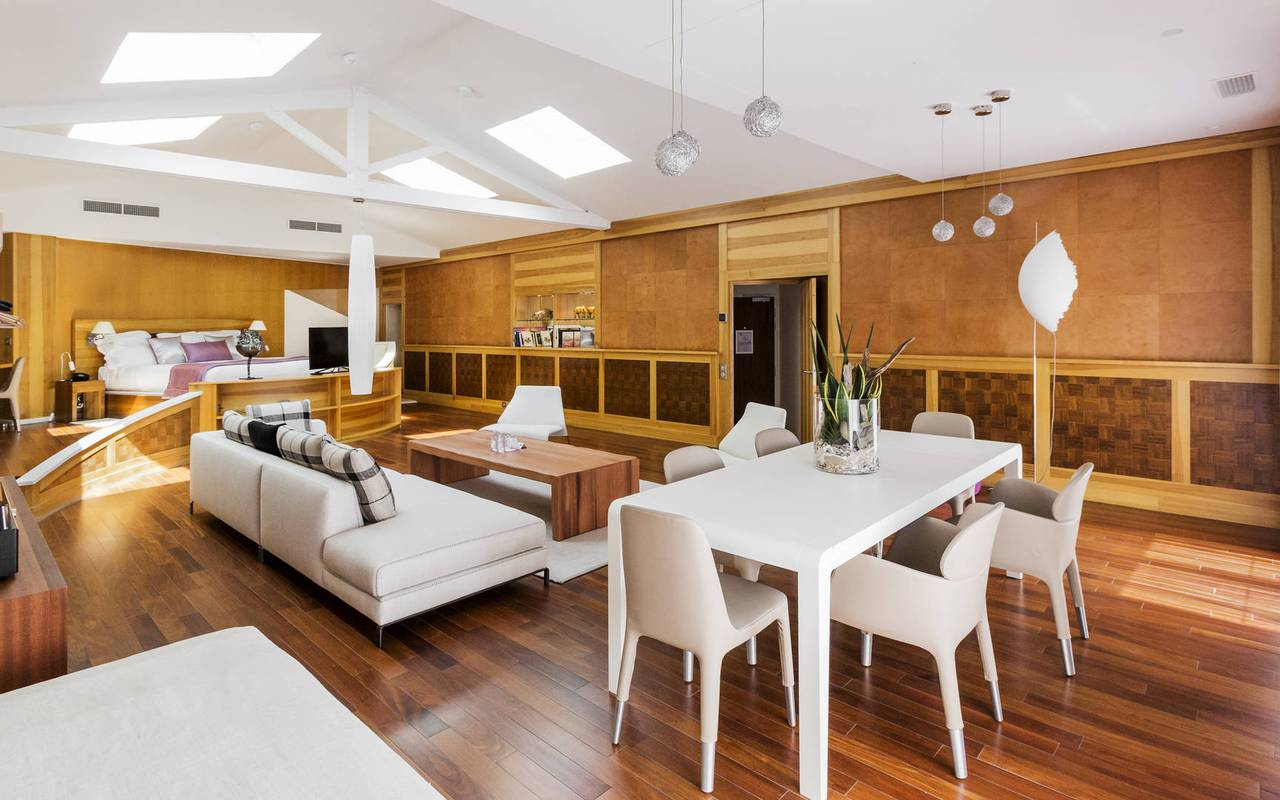 Large suite with parquet hotel marseille plage