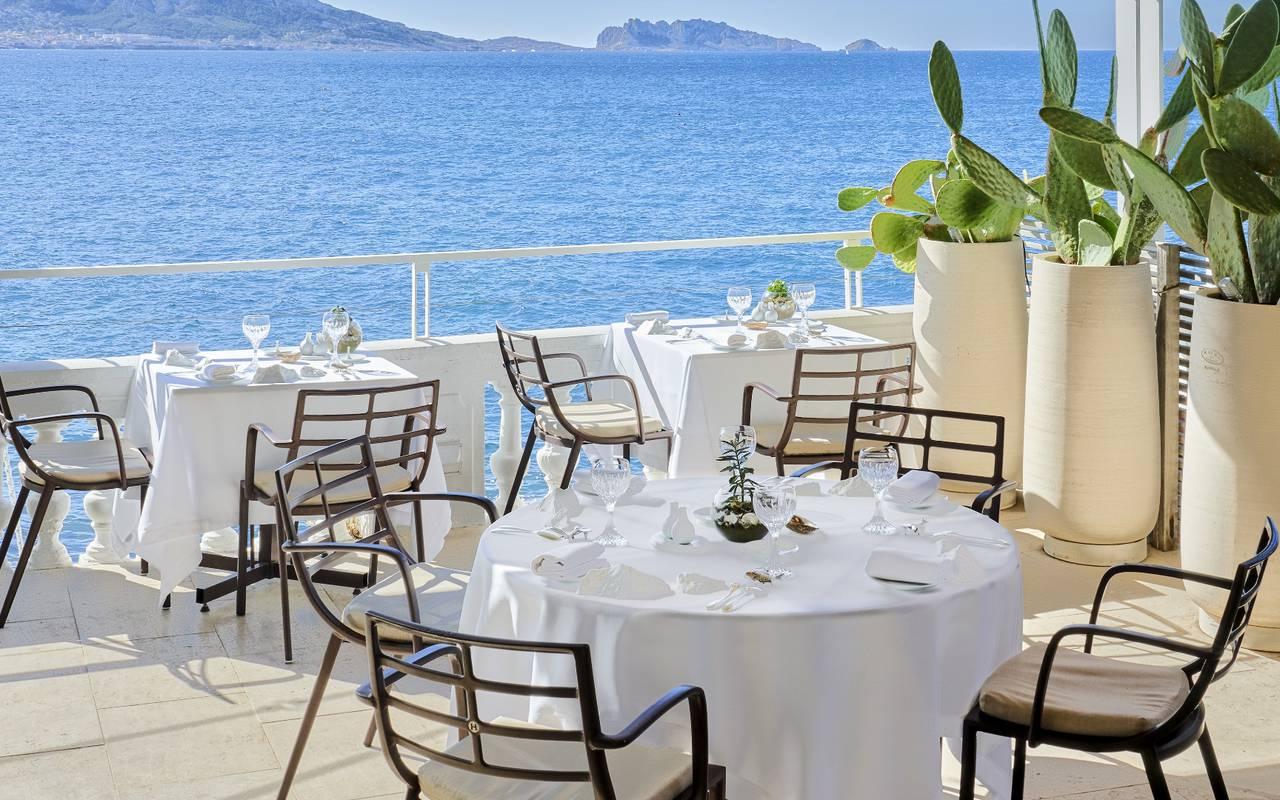 repas vue mer restaurant 3 étoiles france