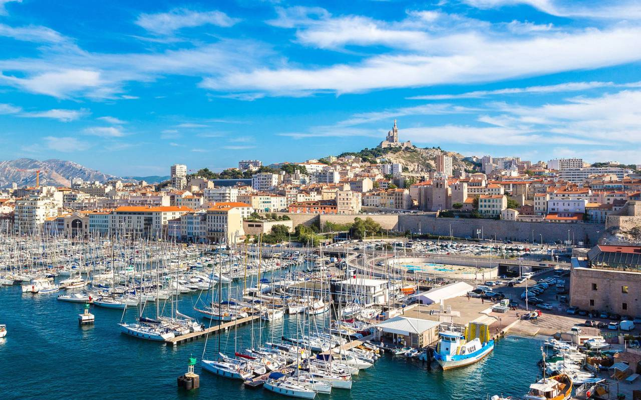 Port de Marseille hôtel restaurant bouches du rhône