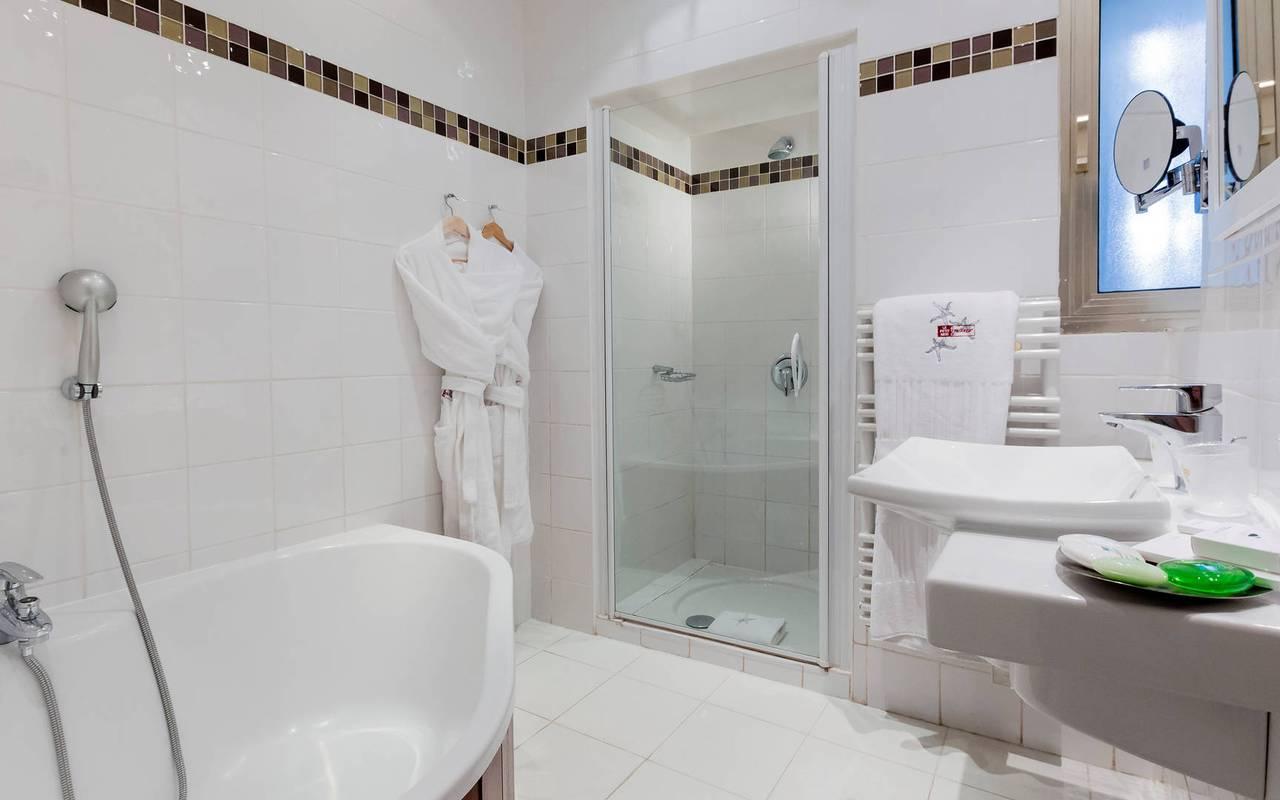 salle de bain hotel marseille 5 etoiles