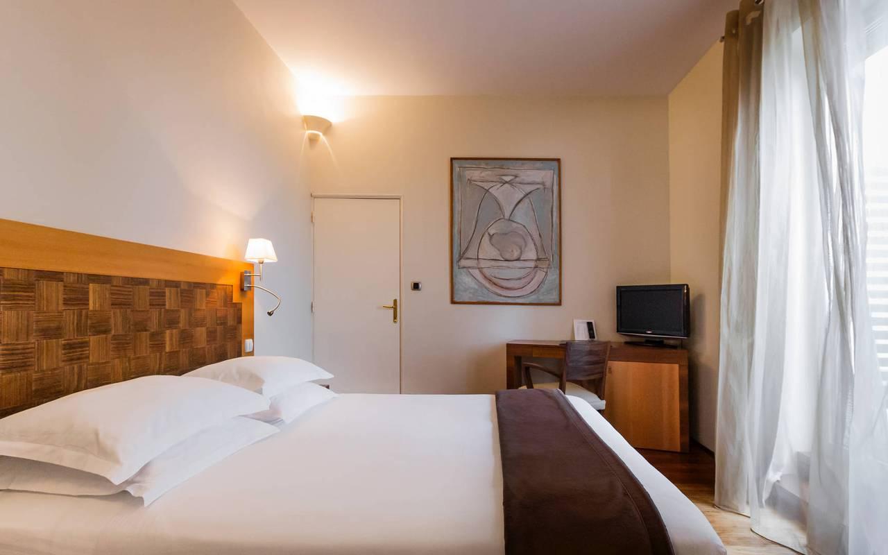 chambre classique marseille hôtel 5 etoiles