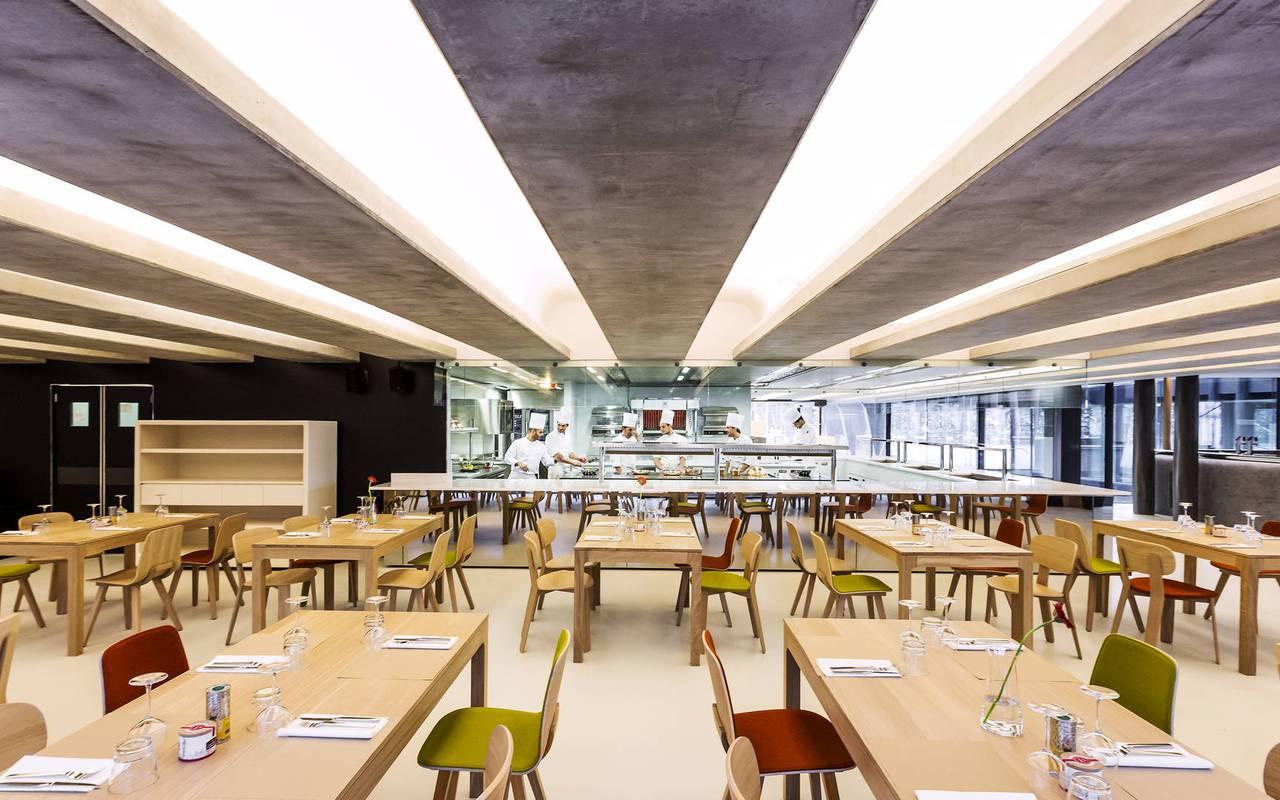 grande salle de restaurant à marseille