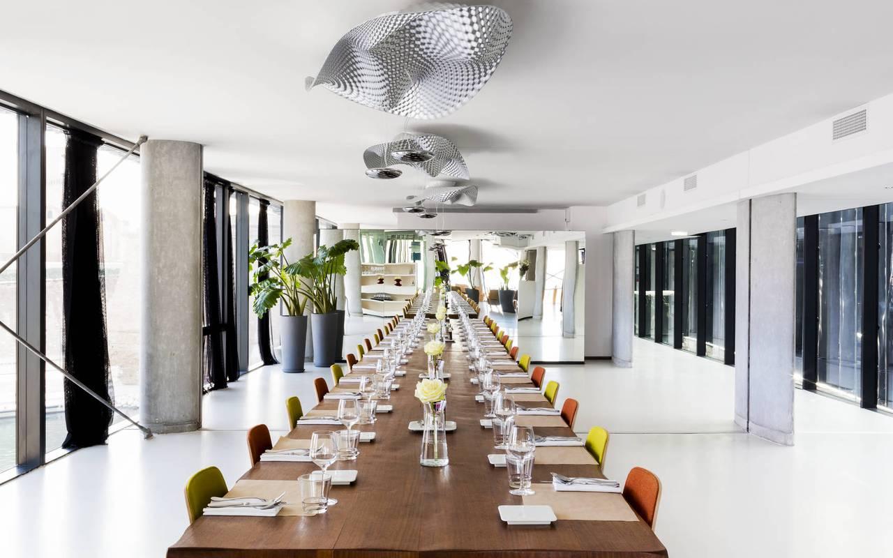 Grande salle de restaurant Marseille