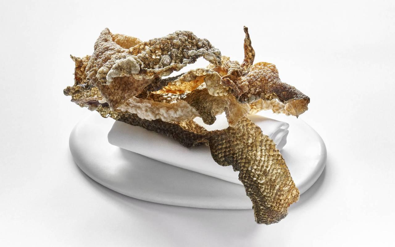 Chips de peau de poisson restaurant gastronomique paca