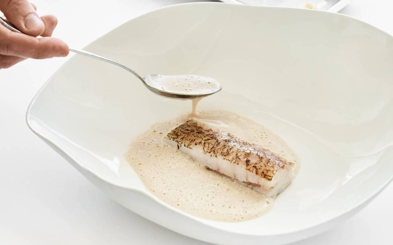 Plat de poisson restaurant étoilé paca