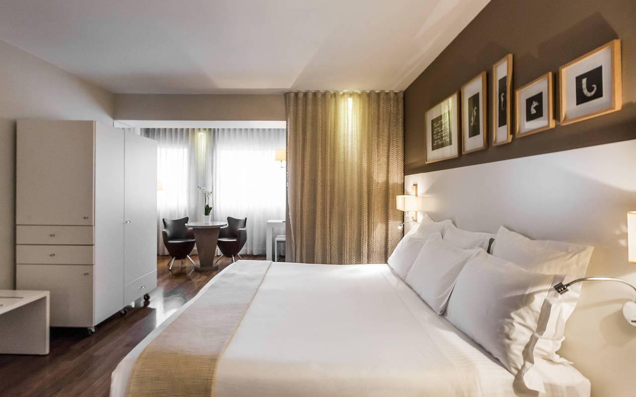 Chambre chic hôtel romantique marseille