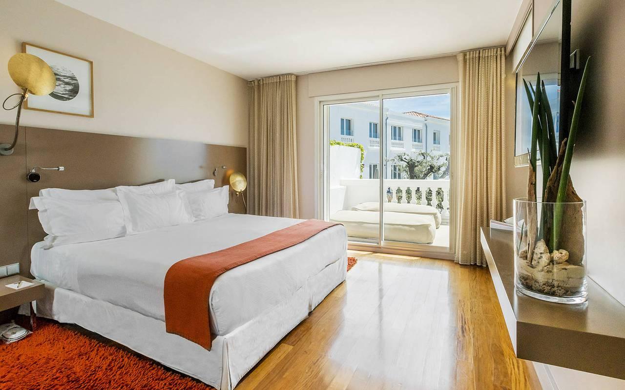 Chambre élégante hôtel design provence